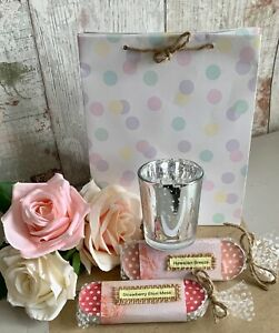 LADIES TEA LIGHT CANDLES & HOLDER SET IN GIFT BAG SMALL TOKEN / THANK YOU GIFT