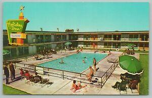 East Peoria Illinois~Holiday Inn Pool Area~Vintage Postcard