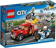 LEGO 60137 CITY - TOW TRUCK TROUBLE * NEW * IN SEALED BOX