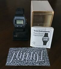VTG TEXAS INSTRUMENTS ALARM QUARTZ DIGITAL WATCH BLACK RARE ANTIQUE BOOK BOX