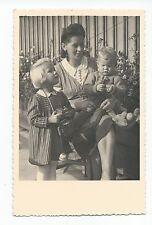 BM938 Carte Photo vintage card RPPC woman Femme enfant jouet ancien child
