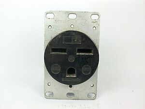 Bryant 30 Amp 230 Volt Dryer Outlet Missing Screws ~ Used R1