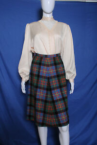 Vintage '60s Tartan plaid A line wool high waist skirt 25W 36H 25L