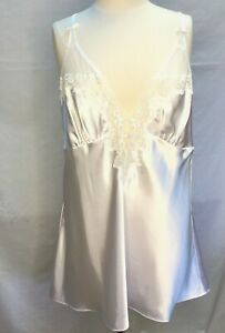Frederick's of Hollywood Bridal White Satin Baby Doll Short Gown Size 1X
