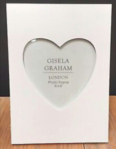 Gisela Graham Large White Wooden Rectangular Heart Flat Matt Photo Picture Frame