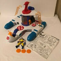 Marvel X-Men Water Wars Play Set Boat Ship Bath Toy and Wolverine Action Figure