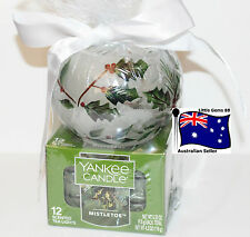 Yankee Candle * Tealight & Christmas Holly Swirl Glass Holder Gift Set