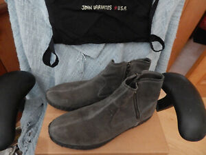 JOHN VARVATOS KEROC GRAY SUEDE LEATHER ANKLE BOOTS, SIZE 10.5M