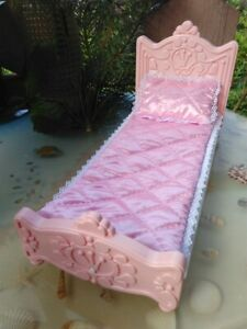 Bed for Barbie dolls Pink bed bed For dolls Pink 3 PIECES BED MATTRESS PILLOW