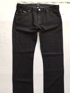 ARMANI COLLEZIONI J15 Narrow-Leg Jeans. Size 40/37