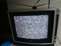 "Sony KV-1361 Trinitron Color TV - 13""? Television Set"