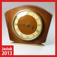 VESNA Russian Soviet Wooden Brass Mantel Desk Mechanical Desk Wind up Clock