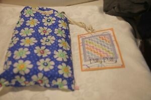 """MODA DILLY DALLY QUILT KIT 50"""" X 54"""" NEW IN BAG PATTERN,FABRIC,QUILT AND BINDING"""