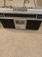 Vintage Midland FM / AM Radio Cassette Recorder 19 - 110 For Parts ONLY