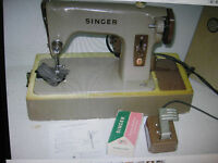 RARE VINTAGE RETRO ORIGINAL SINGER ELECTRIC 275 SEWING MACHINE WITH CARRY CASE