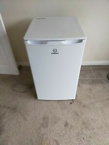 Indesit Freestanding Freezer 102L -  (I55ZM1110S)