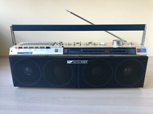 AIWA CS-J50 RARE Vintage Stereo Boombox Recorder Good Working Mint Condition