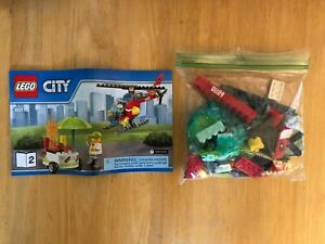 LEGO CITY (60110) KIT HELICOPTER AND HOT DOG STAND PRE-OWNED NOT IN BOX