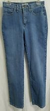 Lee jeans denim women's size 6 medium. Med wash. classic straight. 10.5in rise