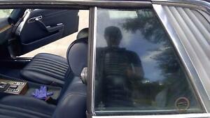 81 MERCEDES 380 Left LH Driver Rear Quarter Glass Window