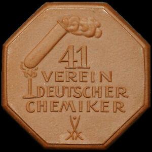 """DRESDEN: Porzellan-Medaille 1928. """"REAGENZGLAS"""" - VEREIN DEUTSCHER CHEMIKER."""