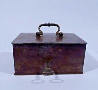 kleine originale Eisen Dose Schatulle Kassette mit Schlüssel um 1900 geschmiedet