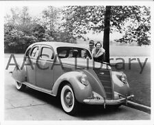 1937 Lincoln Zephyr Fordor, Factory Photo (Ref. #52735)
