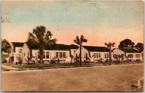St. Petersburg, Florida Postcard BARTLETT PARK APARTMENTS Hand-Colored Unused