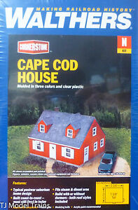 """Walthers N #933-3839 Cape Cod House -- Kit - 2-3/8 x 2 x 1-5/8"""""""