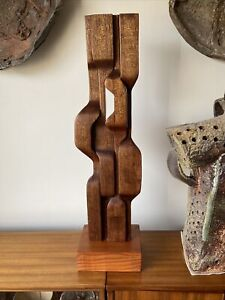 BRIAN WILLSHER? STYLE Unsigned. WOODEN SCULPTURE
