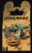 Star Wars Yoda and Pumpkin Halloween 2016 Disney Pin 117195