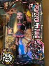 Monster High Freaky Fusions Dracubecca. Draculaura and Rebecca Steam Fusion NRFB