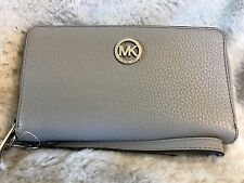 NWT MICHAEL KORS LEATHER FULTON LG FLAT MF PHONE WRISTLET/WALLET IN PEARL GREY