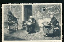 Belgium Bruges LACE MAKERS Dentellieres au travail 1959 message unused PPC
