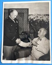 *Original* PRES ROOSEVELT HONORS EISENHOWER 1943 Assoc Press Photo WORLD WAR II