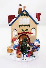 Statuette Paesaggio Natalizio Innevato  Scena di Natale Candela Albero Regali