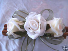 Mini fragranced cinnamon sticks with latex roses