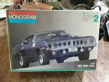 MONOGRAM 2943 1970 HEMI CUDA 1/24 SCALE MODEL KIT ,snap together. No glue needed