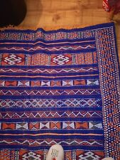 Pretty Moroccan rug, Berber style, Hand Knotted ,100% Natural Wool .