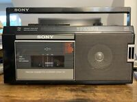 VTG Sony Portable AM/FM Cassette Radio BoomBox CFM-110 RADIO WORKS,NEEDS REPAIR