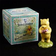 Royal Doulton The Winnie The Pooh Collection Winnie The Pooh & The Present M1040