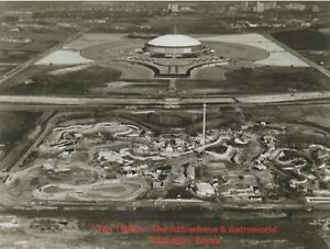 "*Texas-""Famous Astroworld and The Astrodome"" ...-Houston, Texas/ (Postcard)"