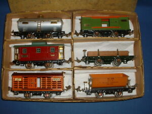 Lionel Prewar O-Gauge 800 Series Freight Cars in Partial Box