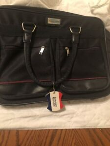 American Tourister Laptop Travel Bag (Pre-owned in Very Good Condition) (Blue)