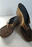 Donald Pliner Sandals Size 8.5 M Bronze Leather Casual Slide Wedge Thong Shoes