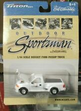 Ertl Ford Pickup Truck Outdoor Sportman F-150 Triton Boats Flareside White 1:64