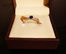 18ct White Gold Ring with Sapphire and Diamonds