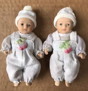 Two Miniature Porcelain Dolls. Vintage-Style baby twins Unisex Lot