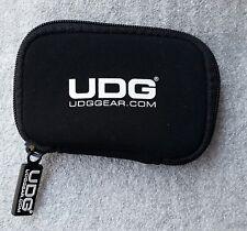 UDG Néoprène Sleeve Black U9961BL - étui souple pour NI AUDIO 2 - Noir