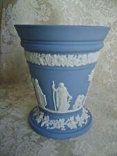 LOVELY WEDGWOOD PALE BLUE JASPERWARE ARCADIAN VASE WITH FROG INSERT